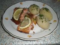 Запеченный лосось с картофелем