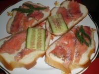 Бутерброды с соленым лососем